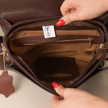 کیف دوشی زنانه پارینه چرم مدل plv198-1-1045